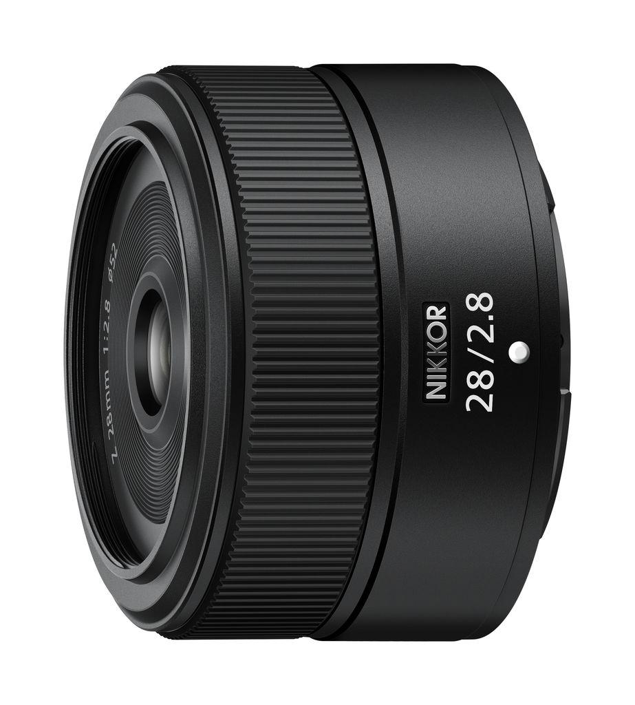 Nikon 現正全力開發 NIKKOR Z 28mm f/2.8 和 NIKKOR Z 40mm f/2 兩款小巧輕便的定焦鏡頭。這兩款鏡頭適用於全片幅(FX 格式)無反光鏡相機,Z 接環系統皆適用。     *鏡頭的外觀可能與上圖不同。     NIKKOR Z 28mm f/2.8 將是非常適合日常快照的廣角定焦鏡頭,而 NIKKOR Z 40mm f/2 則作為標準定焦鏡頭,可讓使用者輕鬆享受散景的成像表現。這些小巧輕便的定焦鏡頭,適用於廣大用戶(包括無反相機的新手),並方便在各種日常場景和情況下使用。  Nikon 在滿足用戶需求的同時,亦將繼續追求光學性能的新高度,為影像文化的發展做出貢獻,更希望擴展影像表現的無限可能。   更多發布消息,請鎖定 Nikon 官網及官方粉絲專頁。