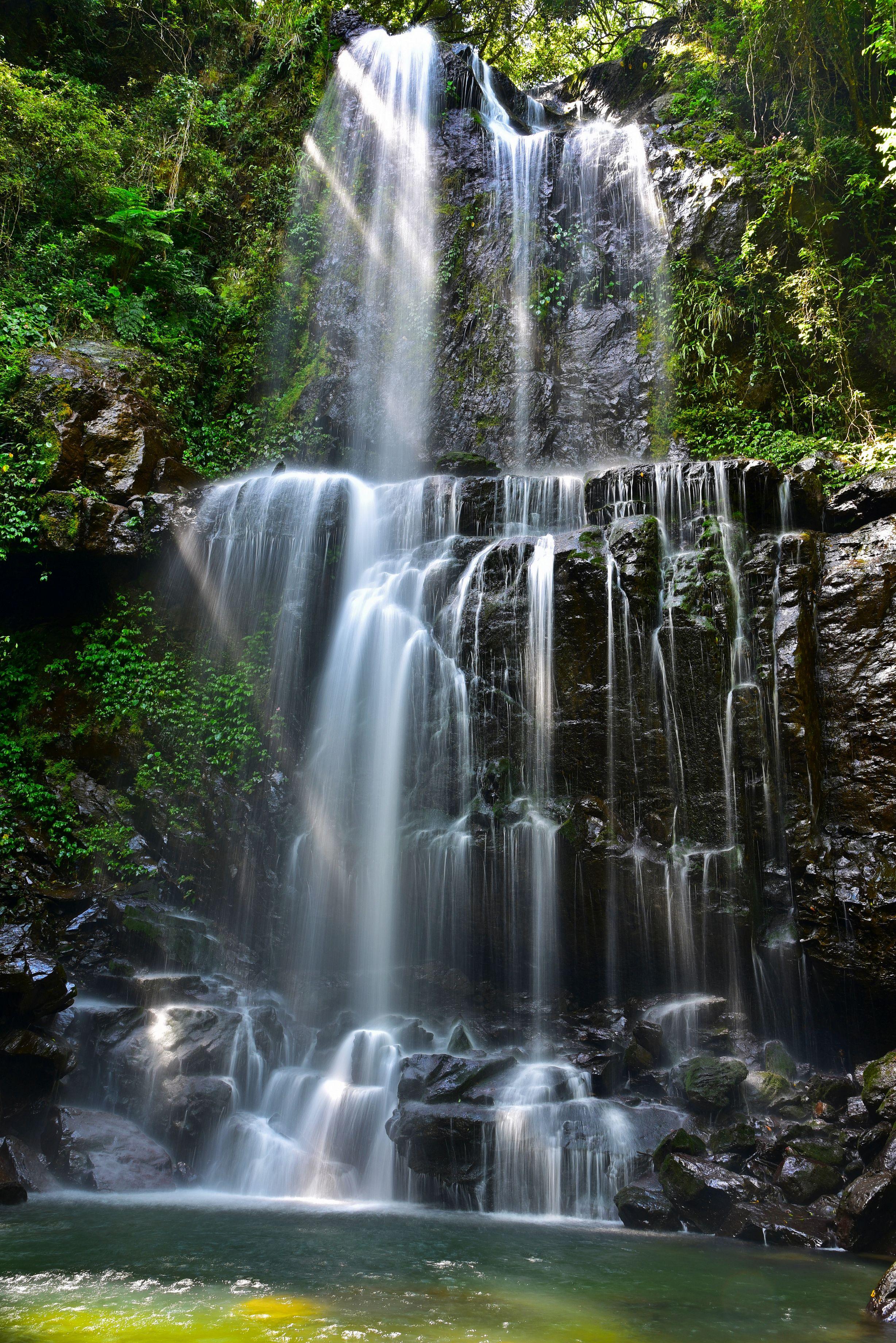雲森瀑布與斜射光 – NIKON D750 ;Nikon NikonD750